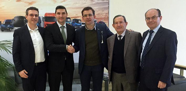 Pierre Lahutte, presidente de la Marca Iveco, apoya con su presencia la reorganización y especialización de la red de concesionarios de Iveco en España