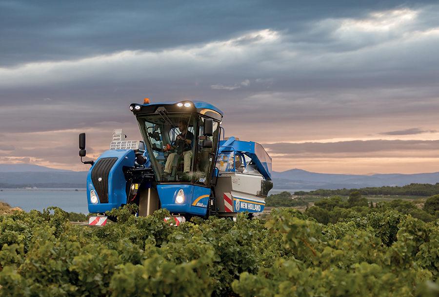 New Holland Lança Nova Máquina de Vindimar Braud Compact Range para os Segmentos de Vinha de Grande e Médio Espaçamento Entre Filas de Plantação.