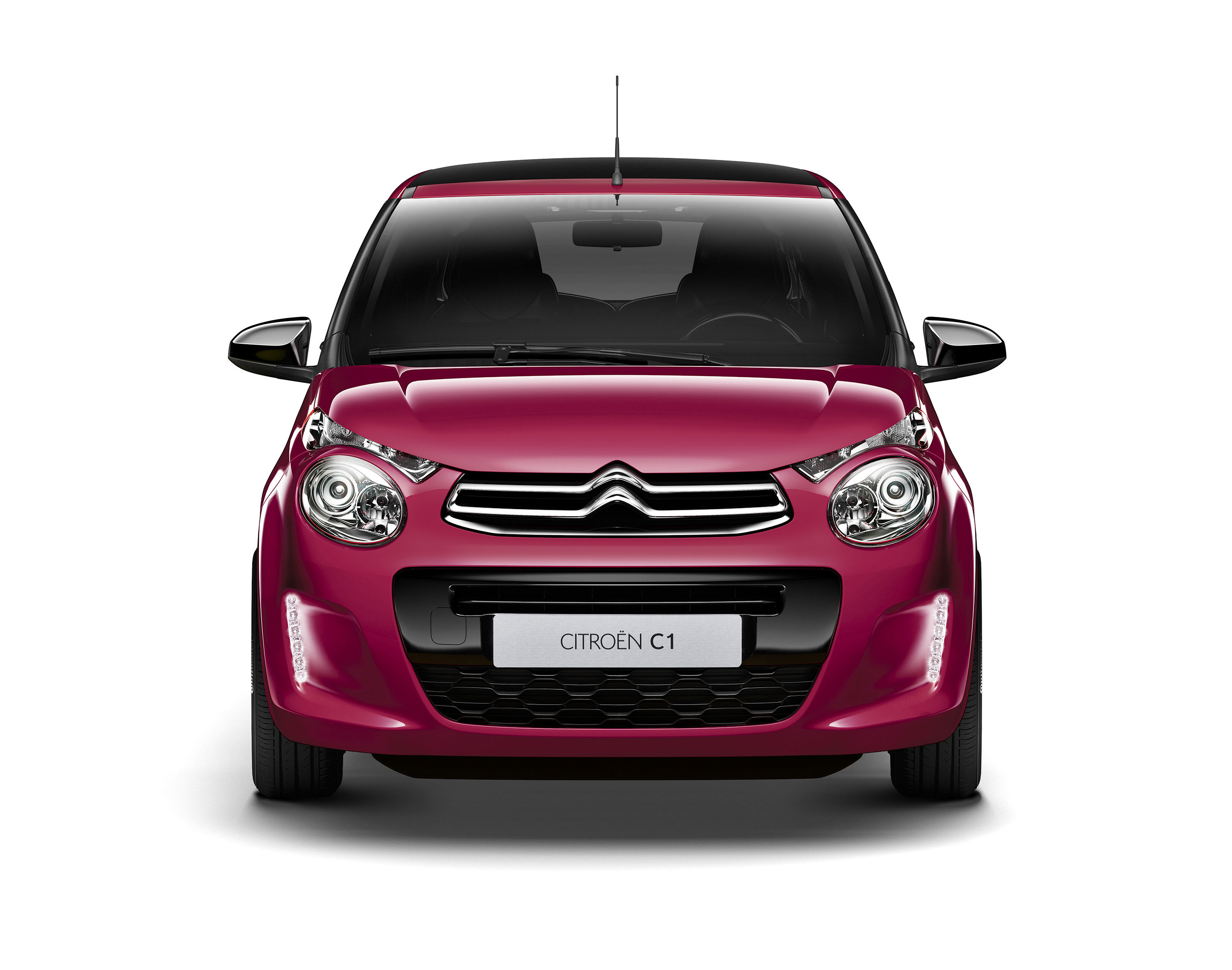 EL CITROËN C1, CON SILUETAS BERLINA Y DESCAPOTABLE, ESTRENA ACABADO FEEL EDITION Y COLOR JELLY BERRY OPACO