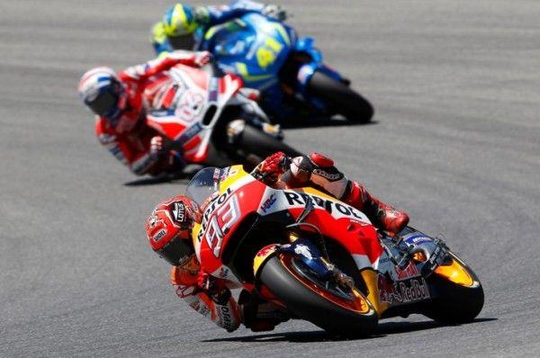 Espectáculo hasta la 'foto finish': Márquez es segundo en Italia por 19 milésimas; Pedrosa, cuarto