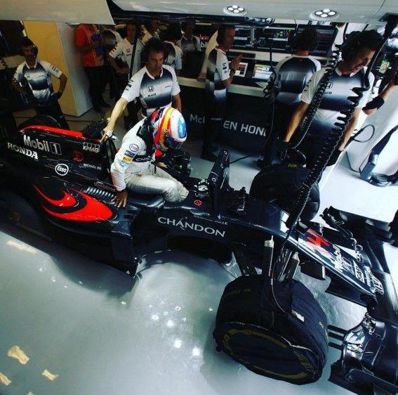 Alonso, séptimo en Hungría, devuelve el optimismo a McLaren-Honda a pesar del abandono de Button