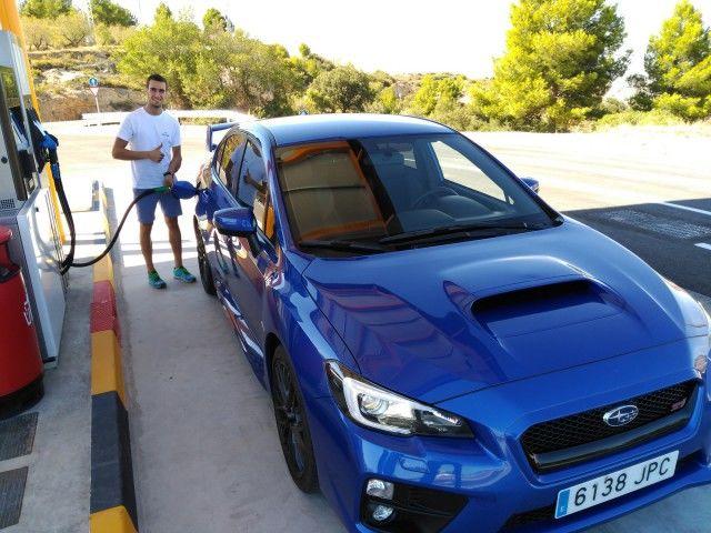 """Álex Rins: """"El WRX STI es un coche con un motor, una estabilidad y una tracción brutales"""""""