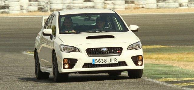 """""""El Subaru STI en circuito me ha parecido espectacular"""", dice Álex Rins"""