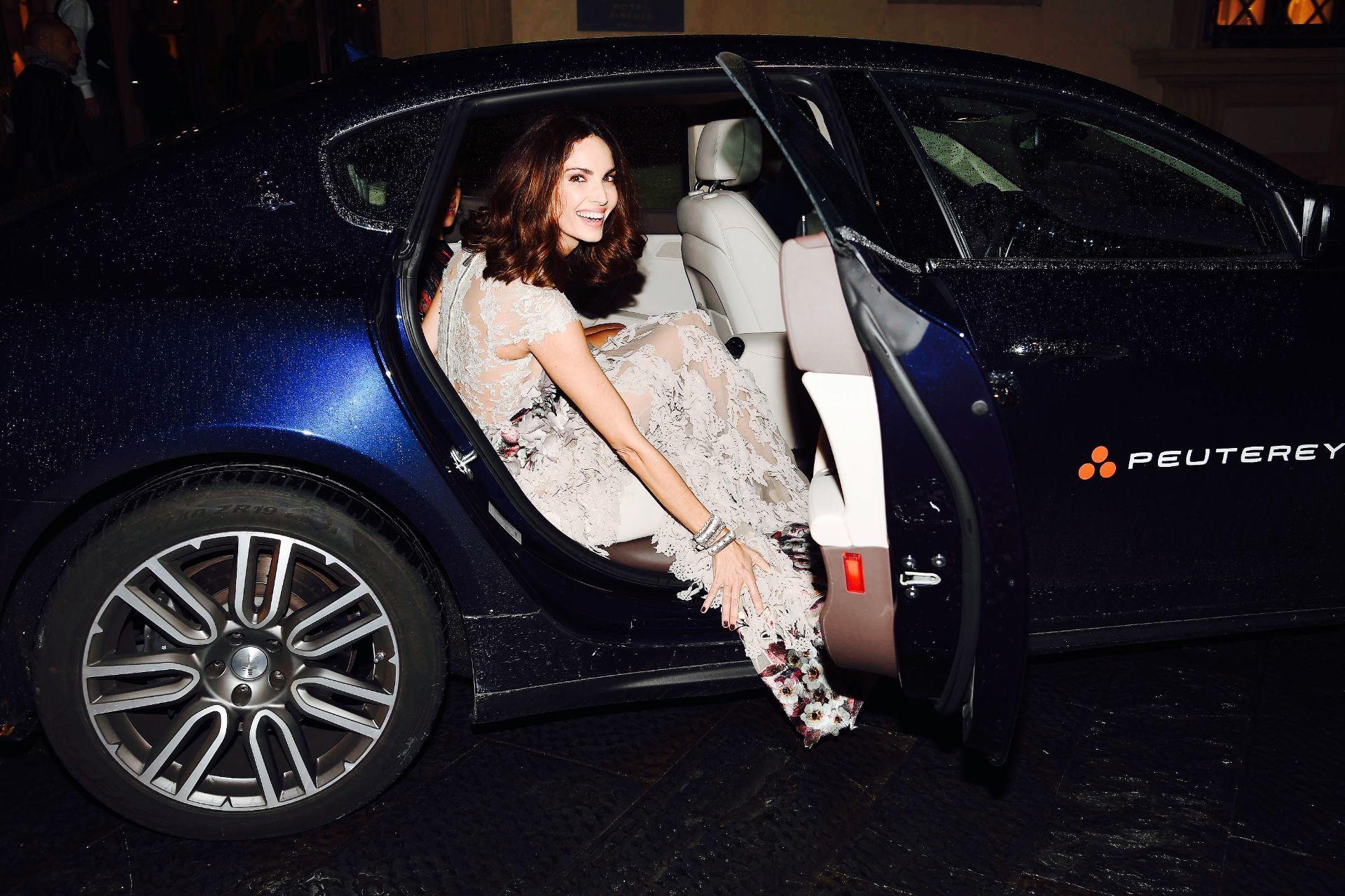 Chiara Ferragni, Eugenia Silva, Nataly y Murad Osmann acuden al estreno mundial de la película a bordo de Maserati Quattroporte.