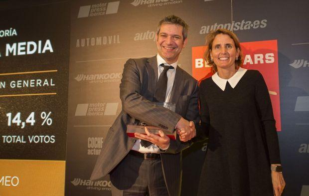 """Alfa Romeo Giulia y Abarth 595 triunfan en los """"Premios Best Cars 2017"""""""