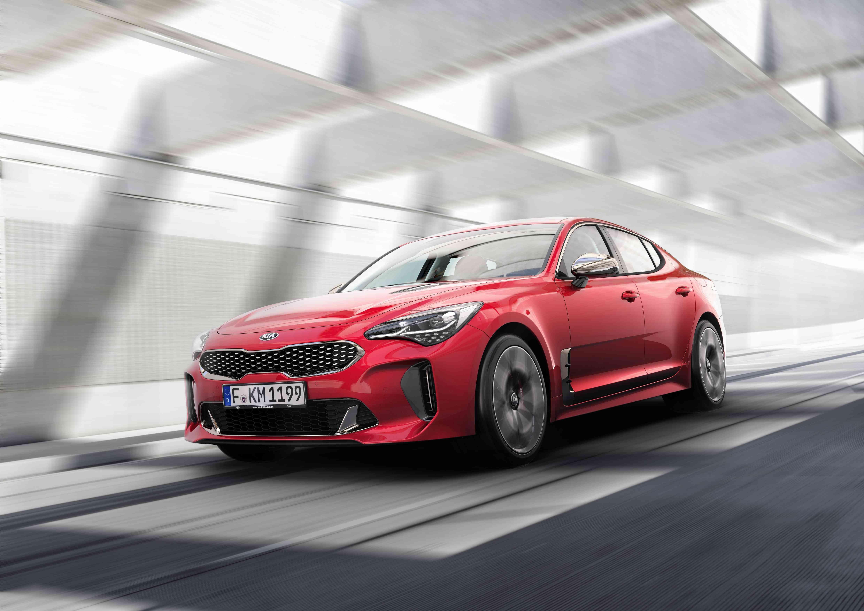 Kia Motors presenta los nuevos Stinger, Picanto, Río y el Niro Híbrido Enchufable en el Salón del Automóvil de Barcelona