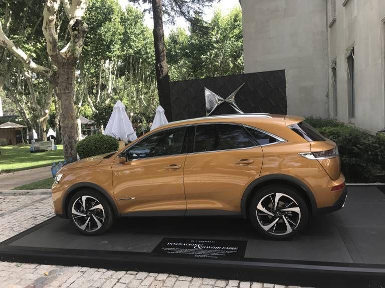 El DS 7 Crossback, máximo exponente de lujo galo en la celebración de la fiesta nacional francesa en Madrid