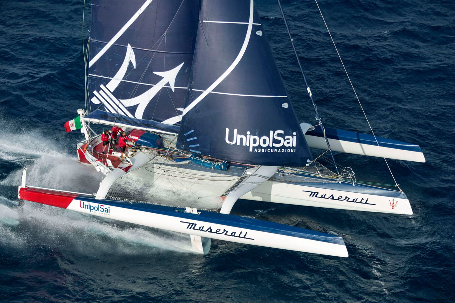 El Maserati Multi70 finaliza en tercera posición en la Transpac Race a su llegada a Honolulu