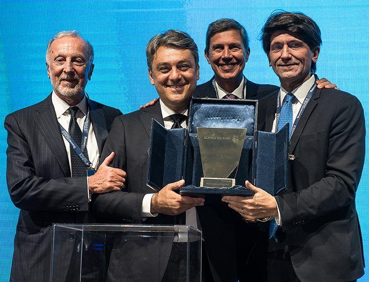 Luca de Meo recibe el premio Alumno del Año de la Universidad Bocconi