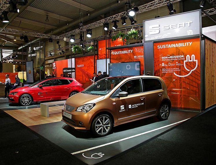 SEAT exhibe en Smart City Expo el León Cristóbal, el coche más seguro de su historia