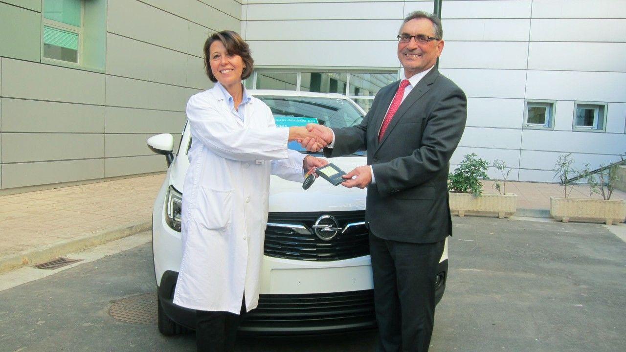 El primer Opel Crossland X servirá para entrenar a pacientes con discapacidad en el Hospital Miguel Servet