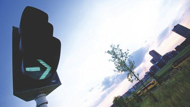 Semáforos inteligentes para eliminar el tráfico en las ciudades
