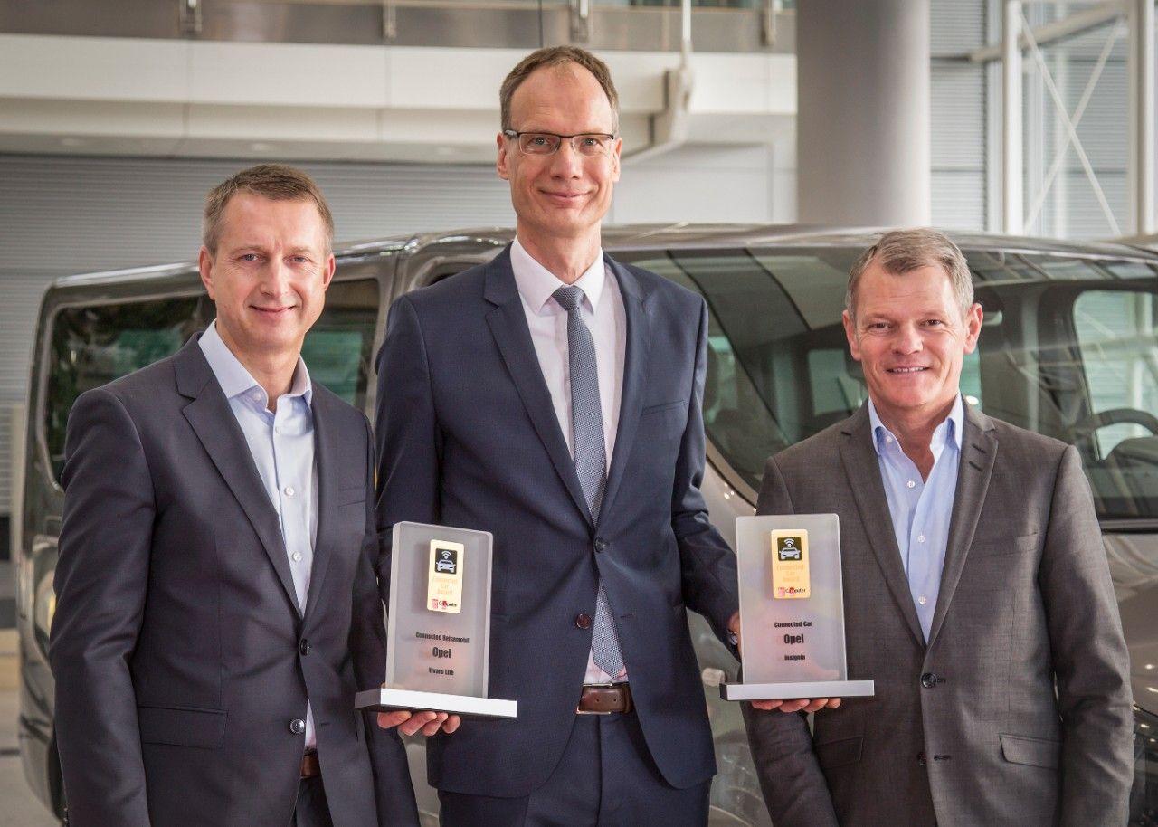 """Premios """"Connected Car"""" para el Opel Insignia y el Opel Vivaro Life"""