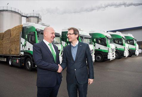 IVECO alcanza la entrega de 1000 unidades Stralis NP 400 con VERBIO, la primera flota de CO2 neutral de Alemania que funciona con biogas producido a partir de paja