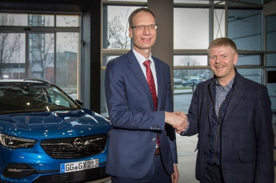 Opel Vauxhall Finance lanza un plan estratégico para respaldar el crecimiento de las ventas de Opel/Vauxhall