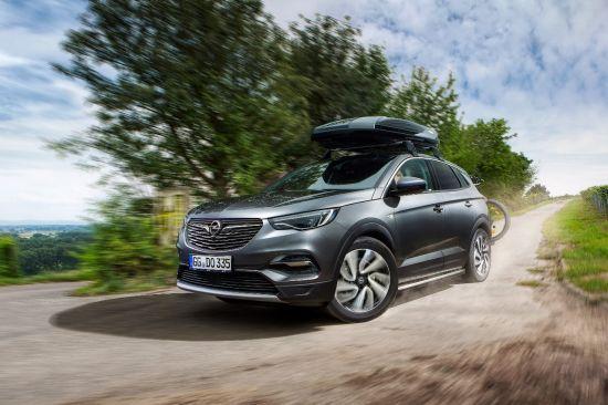 Conducir con estilo: accesorios prácticos para el Opel Grandland X