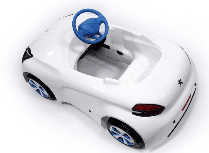 El Peugeot Design Lab crea un nuevo cochecito a pedales para niños inspirado en el Peugeot 208