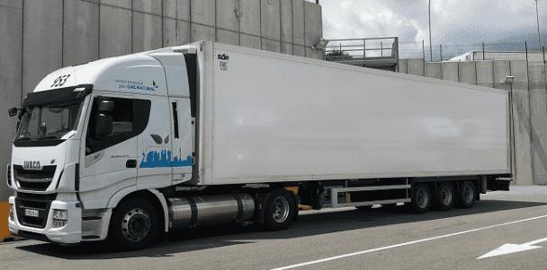 AT Robles afianza su compromiso con el transporte sostenible con la adquisición de 10 IVECO Stralis NP de gas natural