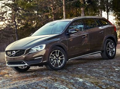 V60 Cross Country Plus Premium Edition