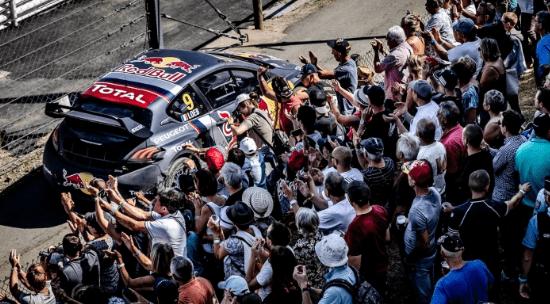 El Team Peugeot Total no pudo ser profeta en su tierra