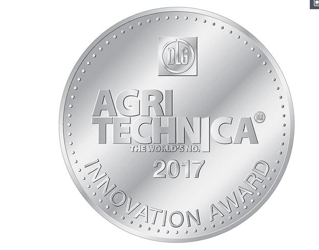 A New Holland ganha a Medalha de Prata no Innovation Award 2017 da feira Agritechnica para o sistema de regulação de ceifeiras-debulhadoras proativo e automático, o primeiro do setor