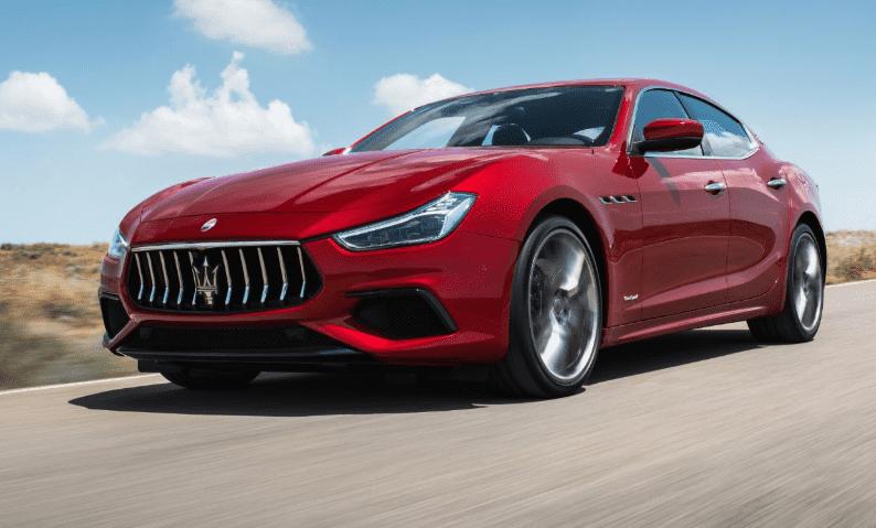 """Maserati Ghibli recibe el """"Sport Auto Award 2018""""  como vehículo más deportivo de su segmento"""