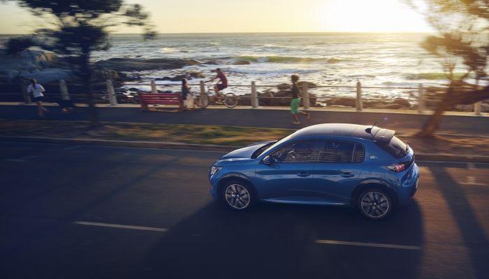 Peugeot lleva su visión juvenil, futurista y electrizante de la movilidad a la muestra Ecomov de Valencia