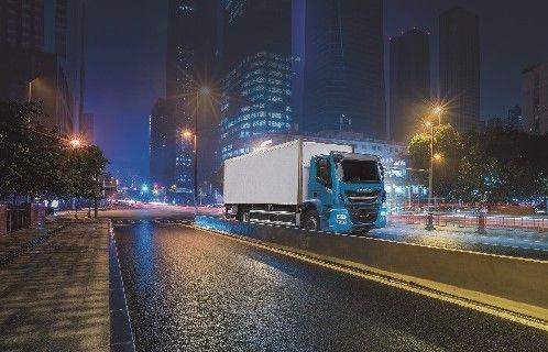 IVECO Stralis NP: el vehículo perfecto para realizar entregas nocturnas dentro de la ciudad