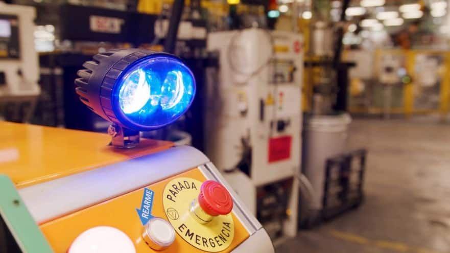 UN ROBOT CON TECNOLOGÍA DE CONDUCCIÓN AUTÓNOMA HACE LA VIDA MÁS FÁCIL A LOS OPERARIOS DE LA PLANTA FORD DE VALENCIA