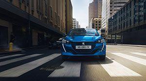 El diseño y el dinamismo del Nuevo Peugeot e-208 conquistan la muestra VEM de Madrid