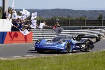 El Volkswagen ID.R bate un nuevo récord eléctrico en Nürburgring