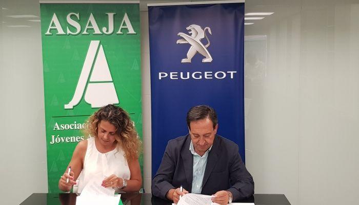 Peugeot y ASAJA renuevan su convenio de colaboración para facilitar la movilidad de los agricultores