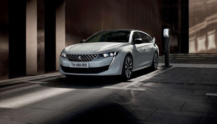 Peugeot 508 Hybrid y 508 SW Hybrid, el híbrido enchufable radicalmente eficiente: 29 g/Km de CO2 y 54 Km de autonomía en modo 100% eléctrico