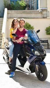 Los actores Candela Serrat y Dani Muriel, nuevos embajadores del modelo Pulsion de Peugeot Motocycles