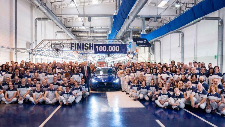 Maserati: el Ghibli n° 100.000 sale de la fábrica de Grugliasco