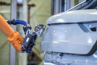 Audi prueba un nuevo proceso de sellado de las carrocerías en la línea de pintura
