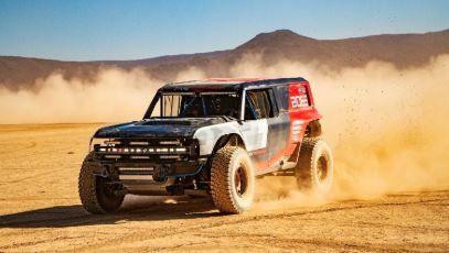 ¿Un Ford Bronco de carreras en el Desierto de Mojave?