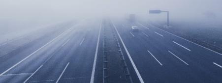 ¿Cómo conducir con niebla? – Consejos y precauciones