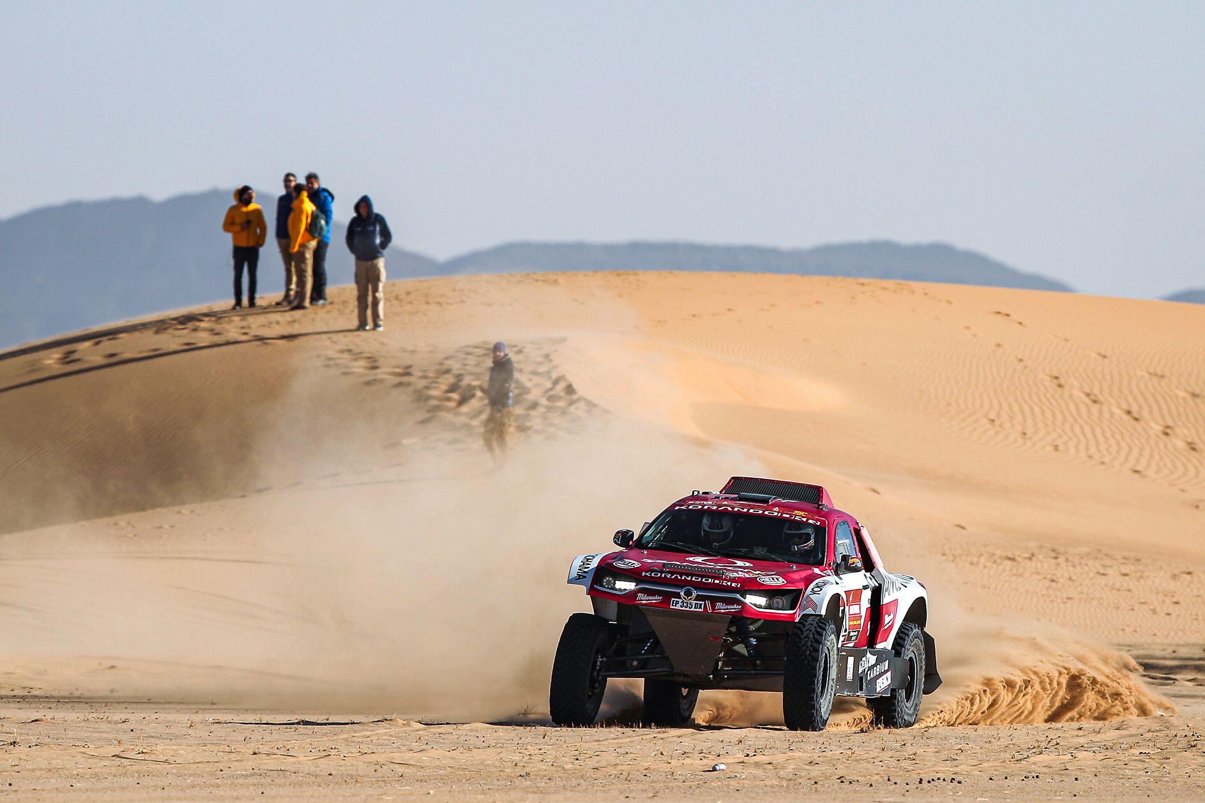 SsangYong Motorsport se mantiene en la pugna por el top 25 en el Dakar.
