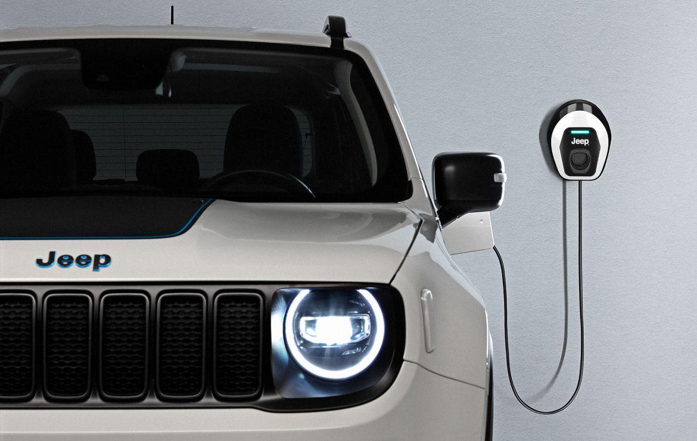 """Jeep® Renegade y Jeep Compass 4xe """"First Edition"""": descubriendo los nuevos modelos híbridos eléctricos enchufables (PHEV) de Jeep"""