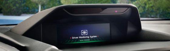 El Subaru Forester ecoHYBRID te vigila… ¡Ni una distracción al volante con el Sistema de Monitorización del Conductor!