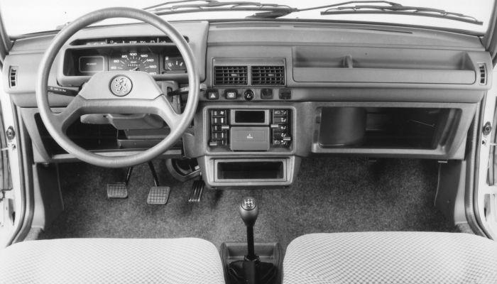 Del Peugeot 205 al Nuevo Peugeot 208: cuatro décadas de evolución desde el asiento del conductor