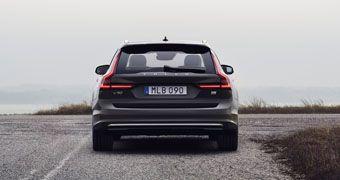 Volvo Cars presenta el facelitf de los modelos S90 y V90, incluyendo motores semihíbridos en toda la gama VOLVER