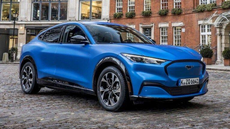 Ford utiliza realidad virtual para formar a sus técnicos sobre el Mustang Mach-E