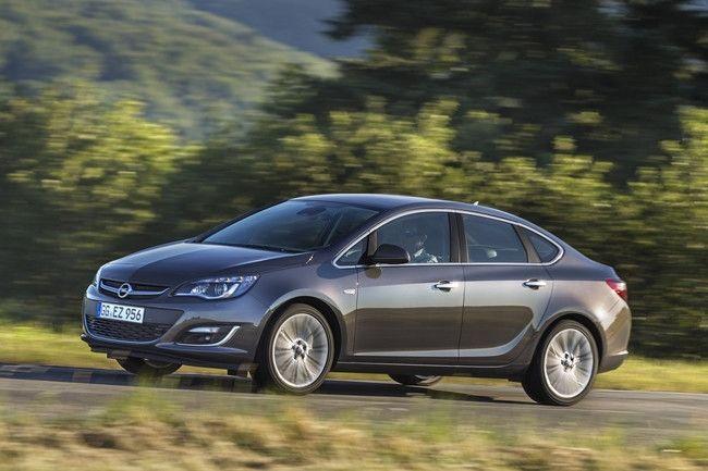 Opel Astra 2012 para el Salón de Moscú