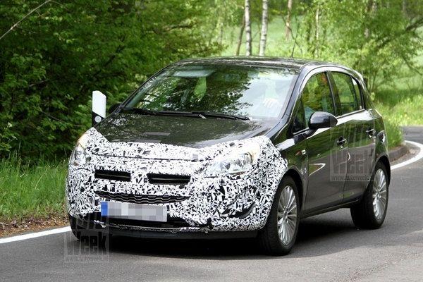 Opel Corsa Restyling, fotos espía