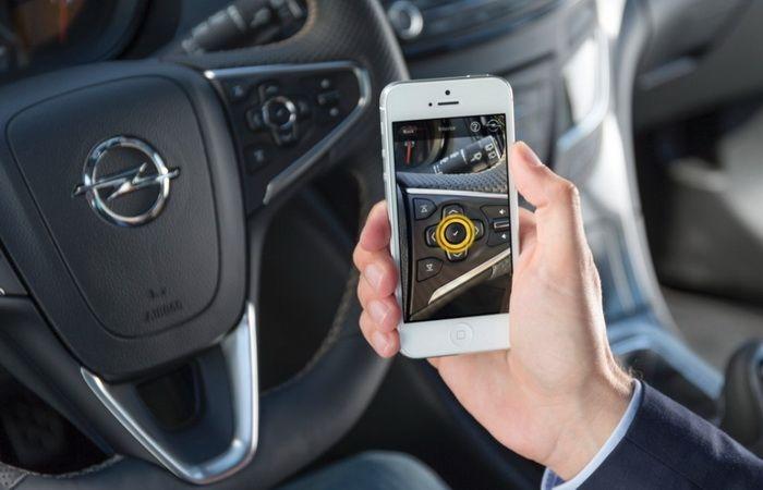 """Opel estrena la aplicación """"Manual mi Opel"""""""