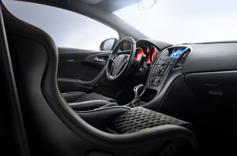 Más detalles del Opel Astra OPC EXTREME