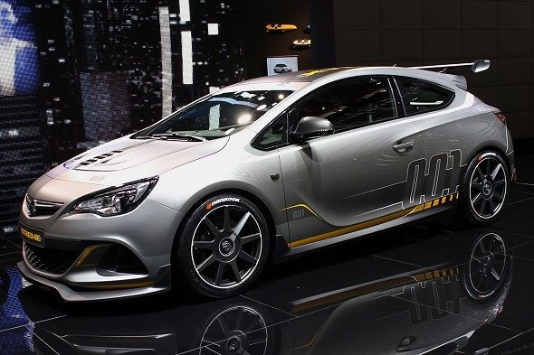 Opel Astra OPC Extreme en Ginebra 2014