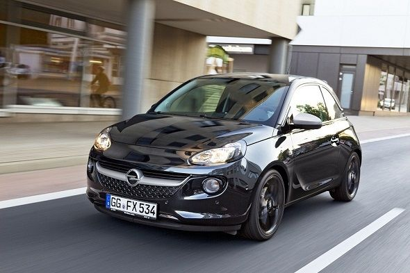 Opel Adam White/Black Link ya disponible